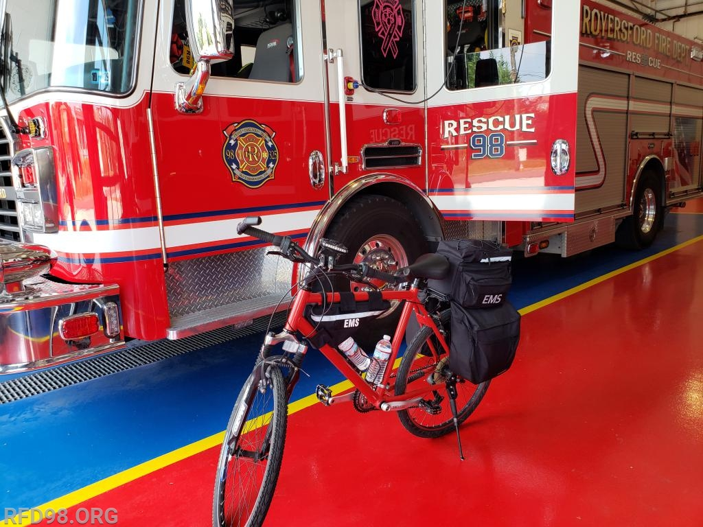Rescue 98 & EMS Bike 325 getting ready to roll out from the station
